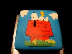 Snoopy Cake by Yvonne, Twin Cities, MN, www.birthdaycakes4freee.com