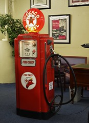 Vintage Wayne Texaco Fire-Chief Gas Pump (Custom_Cab) Tags: pictures auto old trip las vegas usa car station electric museum vintage fire hotel us antique chief united wayne nevada picture quad palace casino gas resort collection pump nv company collections oil imperial wife service states gasoline texaco firechief harrahs ethyl the