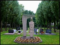 Mlheim - Jewish Cemetery (abudulla.saheem) Tags: grave germany deutschland lumix tombstone panasonic gravestone nrw grab grabstein jewishcemetery holocaustmemorial ruhrgebiet holocaustmahnmal ruhrarea ruhrpott mlheim  jdischerfriedhof abudullasaheem dmctz31