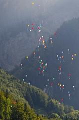 Ballons de baudruche 1 (jeanmichelchuiche) Tags: switzerland suisse 99 fribourg ballons montbovon luftballons 99luftballons baudruche