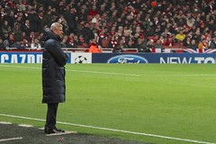 Arsene Wenger looks on (Ronnie Macdonald) Tags: football emirates om arsenal futebol championsleague gooners olympiquedemarseille arsnewenger ronmacphotos