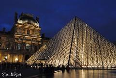 Piramide Francese (Ste_Nikon) Tags: arte louvre museo turismo francia vetri parigi