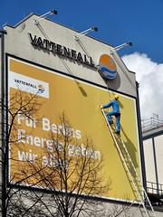 Der macht in Berlin das Licht an (Gertrud K.) Tags: berlin kreuzberg geotagged funny advertisement sculptures geo:lat=52507232925583736 geo:lon=13378976583480835