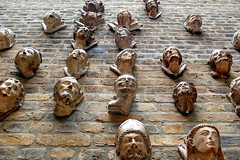 Faces on the wall (loungerie) Tags: england sculpture muro london art face wall museum faces victoriaandalbertmuseum museo londra viso scultura faccia volto visi