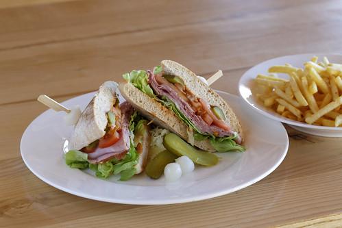 Chiabatta Sandwich mit Pommes