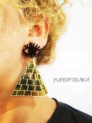 WWW.SUPERFREAKA.COM (SuperFreaka) Tags: africa wings afro dourado horus olho asa swag brincos egito piramide acrilico diferentes etnico bijuterias streetstyle cortealaser