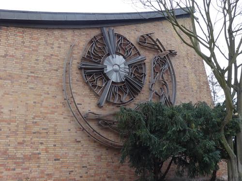 1970 Potsdam Natur und Technik Metallgestaltung von Werner Nerlich Aluminium Schwimmhalle Am Brauhausberg Max-Planck-Straße 10 in 14460