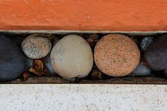 Piedras naranja y blanco (nico_rata) Tags: macro colores piedras lneas