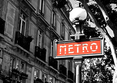 Metro (RVinside) Tags: red blackandwhite bw paris france photoshop nikon metro 1855 rosso francia bianconero parigi d60 nikond60 fotografinewitaliangeneration nikonclubit
