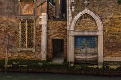 venezia 160403_234 (gmcvrphoto) Tags: calle finestra acqua venezia riflessi canale palazzi allaperto