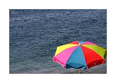 Playeando... (ángel mateo) Tags: ángelmartínmateo ángelmateo playa balerma elejido almería andalucía españa marmediterráneo mediterraneansea sombrilla sombrilladeplaya colores andalusia spain beach umbrella beachumbrella colors summer verano playeando