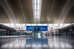 Sound of Silence (Mile 24 Travel Media) Tags: travel toronto ontario canada tourism architecture reflections tickets airport quiet aviation explore queue mississauga yyz pearsoninternationalairport cyyz