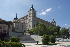 Alcazar de Toledo (Jotha Garcia) Tags: building primavera architecture spring nikon may toledo alcazar mayo castillalamancha 2016 nikond3200 d3200 jothagarcia