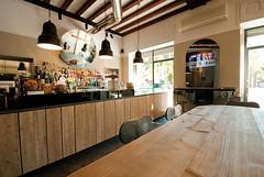 _DSC1248 (fdpdesign) Tags: arredamenti shop design shopdesign nikon d800 milano italy arrdo italia 2016 legno wood ferro sedie tavoli locali cocktails bar interni architettura