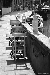 L'incontro (Sdelmo74) Tags: street blackandwhite bw streetart streetphotography meeting bn biancoenero incontro
