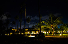 Iberostar at Night (Jorge Hamilton) Tags: bahia brasil brazil praia do forte arco ris rainbow lua luar farol beach moolight iberostar noite stars estrelas jorgehamilton brandao brando