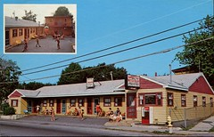 Rambler Rest Motel, Old Orchard Beach, Maine (SwellMap) Tags: architecture vintage advertising design pc 60s fifties postcard suburbia style kitsch retro nostalgia chrome americana 50s roadside googie populuxe sixties babyboomer consumer coldwar midcentury spaceage atomicage