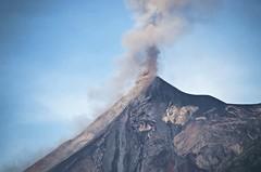 Volcn Fuego erupts! (Pejasar) Tags: volcnfuego antigua guatemala sonde erption volcano volcanic plumes