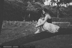 La soledad de la bailarina (David Fotografía) Tags: blackandwhite tree byn blancoynegro girl árbol soledad bailarina canon70d
