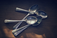 No teaspoon shortages 113/365 (*Jilltoo) Tags: light utensils metal table cutlery spoons teaspoons