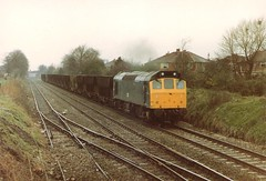 25192 Stoney Bridge Skelton Junction ICI Hoppers 29th March 1983 (Skelton80s) Tags: bridge march junction 1983 29th stoney ici hoppers skelton 25192