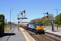 25/05/13 Barrow-in-Furness station (Rob.Whitaker) Tags: belle northern barrow furness ravenglass 47501 47818 5z78