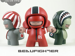 2 copy copy (i break toys) Tags: japan aviation vinyl mini urbanart kidrobot spitfire limitededition arttoy redbaron vinyltoy munny minimunny lisaraehansen ibreaktoys
