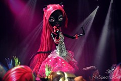 Live for the way that you cheer and scream for me The applause, applause, applause (Nik) Tags: monster night out high noir catty ghouls