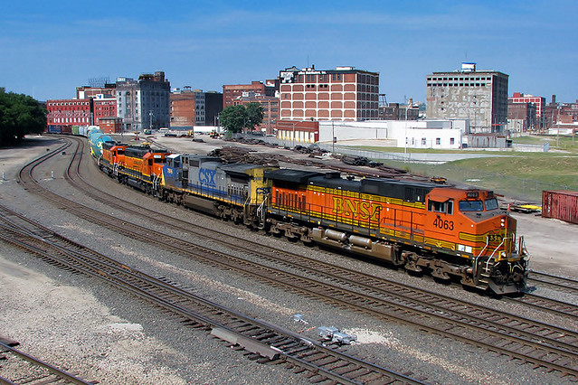 BNSF 4063 at Kansas City, MO