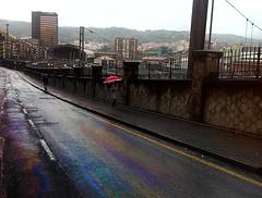 arcoiris en el asfalto de Bilbao (ines valor) Tags: arcoiris lluvia bilbao asfalto estacin abando