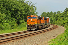 WB Z's rip around a curve on the Ole Santa Fe. (Machme92) Tags: railroad santafe trains ge bnsf railroads stacks railfanning gevo railfans