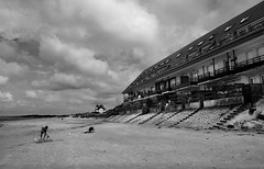 France - Baie de Somme - Le Crotoy (chanutdominique) Tags: ocean sea blackandwhite bw costa mer white black france nature water landscape blackwhite sand europe noiretblanc sable nb paysage francia plage picardie beatch somme baiedesomme immensity