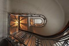 Stiegenhaus Altbau Wien 14 (HerrWick) Tags: wien treppe treppenhaus altbau handlauf stiegenhaus stiegen grnderzeit glanda wwwnettesbildat dsc0343a