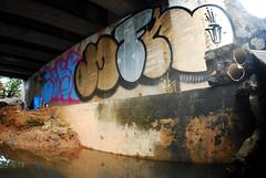 Green Line (marciomfr) Tags: street graffiti bahia salvador outline ge greenline core omc throwup litoralnorte mfr throwie fotografiaurbana linhaverde 071crew graffitisalvador corexplosion ssa13 marciomfr tagsandthrows welovebombing ilovebombing graffitipormfr arquivosgraffiti graffiteirosesccrotos trapboyscrew