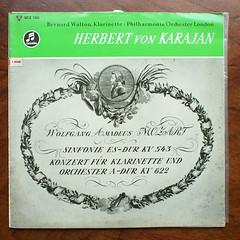 Mozart - Symphony KV543, Clarinet Concerto KV622 - Bernard Walton Clarinette, Philharmonia Orch., London, Karajan, Columbia 33 WCX 1361, C 90 500 (Piano Piano!) Tags: musician london artwork album vinyl collection record sleeve hoes 12inch karajan vynil hulle philharmoniaorch gramophonerecordplattediscvinyllplangspeelplaatklassiekclassicalclassique grammofoonlangspielplatte mozartsymphonykv543 clarinetconcertokv622bernardwaltonclarinette columbia33wcx1361 c90500 recordalbumdisclpvinylvynil12inch coverarthoeshulle12inch discdisquerecordalbumlplangspeelplaatgramophoneschallplattevynilvinyl
