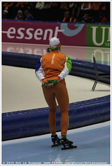 Michel Mulder, preparing for the 2nd 500 Meters Men (Dit is Suzanne) Tags: netherlands nederland heerenveen speedskating thialf views200  img4389 canoneos40d michelmulder langebaanschaatsen  sigma18250mm13563hsm  16032014 essentisuworldcups20132014 essentisuworldcupheerenveenfinalsmarch1406   ditissuzanne  500metersmen 2nd500metersmen