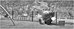 Zanita (Black and White Fine Art) Tags: leica bw kodak oldsanjuan puertorico streetphotography bn sanjuan viejosanjuan lightroom kodaktrix400 kodakd76 fotografiacallejera zanita lightroom3 niksilverefexpro2 leicalllf1951 summitar5cmf201951