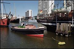 Bremerhaven Analog 2016 (05) (Hans Kerensky) Tags: canon 7 lzos jupiter12 28 35mm lens film dm paradies 200 scanner plustek opticfilm 120 bremerhaven museumshafen harbor schlepper schiff tug boat helmut