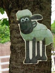 #8119 Shaun up a tree (Nemo's great uncle) Tags: saitama chichibu     yokoze   hitsujiyamapark shibazakurahill