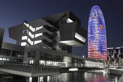 Flicr92015.jpg (Tricfala Photo) Tags: barcelona night noche arquitectura edificios arquitecture agbar