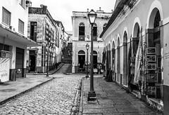 Ruas e vielas (felipe sahd) Tags: city cidade brasil noiretblanc maranhão blackdiamond centrohistórico sãoluís 123bw estilocolonial
