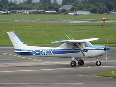 G-GMOX Cessna 152 (Aircaft @ Gloucestershire Airport By James) Tags: james airport gloucestershire cessna lloyds 152 egbj ggmox