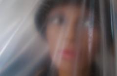 frauen_in_folie (MOS2000) Tags: model frau schaufensterpuppe unscharf tristesse puppe melancholie