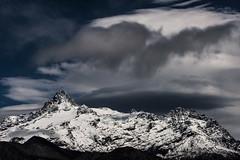 Sierra Velluda - Chile (Chris Momberg) Tags: naturaleza alex nature berg night stars landscape photography nikon awesome christopher paisaje sierra nubes nocturna cordillera natgeo pumarino velluda momberg chmomberg