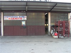 "officina_00 • <a style=""font-size:0.8em;"" href=""http://www.flickr.com/photos/143934115@N07/27413987060/"" target=""_blank"">View on Flickr</a>"