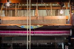 """""""ENTRE HILOS DE SEDA Y ORO..."""" (pilibis8) Tags: canon silk machine museo seda detalles loom maquinas hilos telar 60d pilibis"""