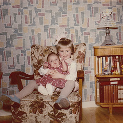 Me and my sister Ydrehammar Sweden 1960 (Ankar60) Tags: old kids barn vintage children photo kid 60s foto child sweden interior swedish scanned sverige 1960s 60 sixties nostalgi tal 1960 fotografi interir gammal inredning skannat sextiotal svenskt