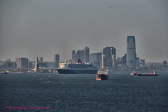 Queen Mary 2 passing Jersey City (Phyllis Featherstone) Tags: newyorkcity worldtradecenter statenisland qm2 queenmary2 reallyrightstuff nikond3200 newyorkharbor fortwadsworth ftwadsworth phyllisfeatherstone reallyrightstuffhead queenmaryvz050313 sigma18250macrolens