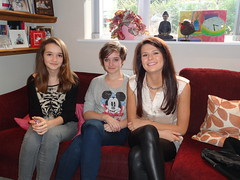Left & centre, siblings: Isobel & Jessica Giles & 1st cousin Beth Giles, Christmas Day 2011 (Twomey-Kavanagh-Hockey & Descendants) Tags: christmas xmas sisters siblings happypeople firstcousins familygathering smilinggirls 1stcousins siblingsandcousin