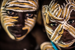 Surma tribe children with painted faces (anthony pappone photography) Tags: africa travel boy portrait baby white black art face yellow barn digital canon pose painting photography facepainting eyes paint artist faces image expression retrato african painted picture culture unesco clay tribes afrika omovalley fotografia ethiopia ritratto surma reportage photograher afrique barna bambino faccia eastafrica phototravel suri facepainted etiopia etnic whiteclay 非洲 etnico etiope etnia argilla アフリカ loweromovalley etnica etnologia afryka childrentravel losniños etiopija portraitsofchildren 아프리카 etiopien etiópia kibish yellowclay africantribe африка etiopi tulgit अफ्रीका lowervalleyomo